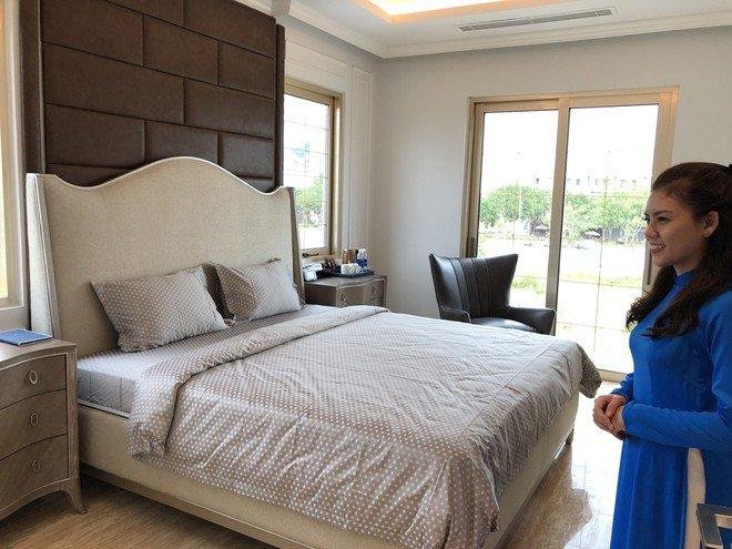 Phòng ngủ sử dụng nội thất nhập khẩu châu Âu Ảnh: Phú Thành