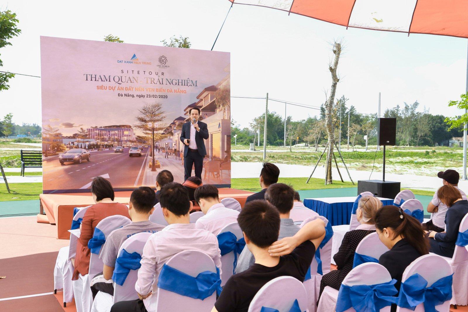 Đất ven biển Đà Nẵng vẫn nhộn nhịp